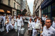Image source: Dîner en Blanc, Paris